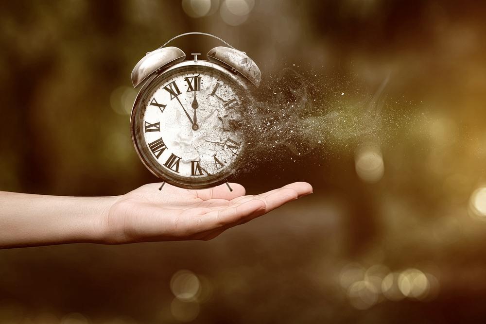 Időt váró, időző, időtlenség