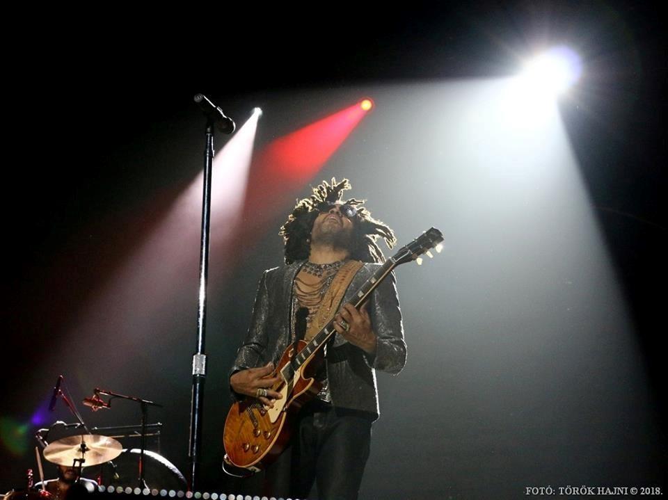 Lenny Kravitz 10 év után lépett színpadra Magyarországon